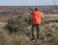 Reggio Calabria, cacciatore sorpreso a far sparare l'amico a caccia, arrestati