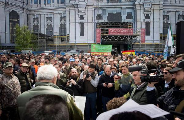Manifestazione Spagna Contro odio sui social network
